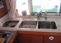 AINULINDALE_2007_Lagoon 440_Catamaran for sale_Just Catamarans_just cats_galley2