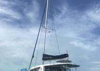 Leopard 40 catamaran mast