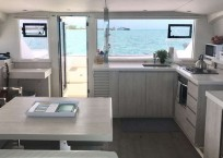 Leopard 40 catamaran salon interor