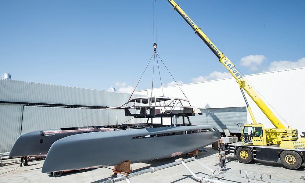 Fitting the deck to Gunboat 68 catamaran
