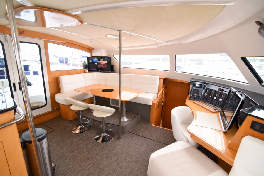 Fountaine Pajot HIGH CUBE Catamaran