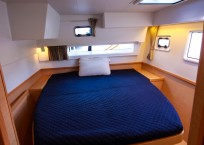 Lagoon 42 Catamaran TANGLED SHEETS guest cabin