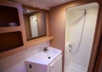Lagoon 42 Catamaran TANGLED SHEETS shower