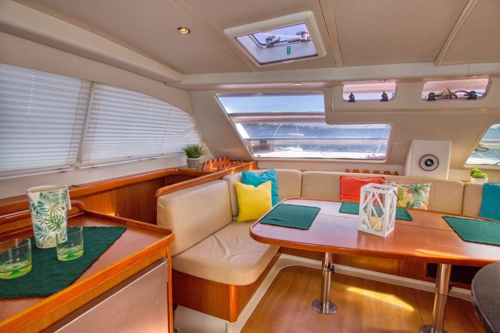 Leopard 46 Catamaran ANDIAMO sold - salon