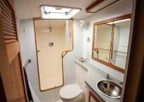 Manta 42 Catamaran IMAGINE owners head