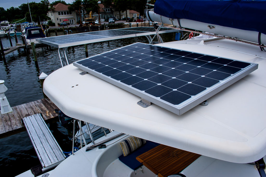 Lagoon 380 Catamaran KEY OF SEA sold solar panel