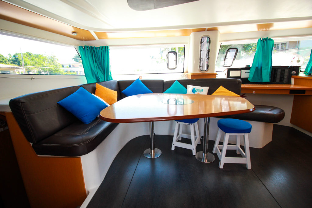 Fountaine Pajot Catamaran NOVA SATUS salon seating