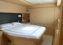 2014 Lagoon 620 Catamaran LADY RACHEL bed