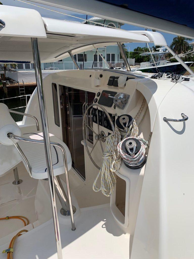 Leopard 40 Catamaran ISLAND STAR helm