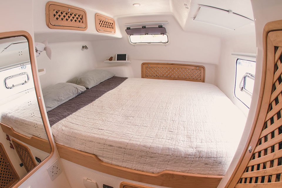Admiral 40 Catamaran EVENFLOW cabin
