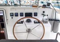 Admiral 40 Catamaran EVENFLOW helm