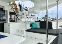 Lagoon 450S Catamaran KHALEESI helm