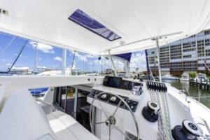 Leopard 40 Catamaran NEW FORTUNE helm