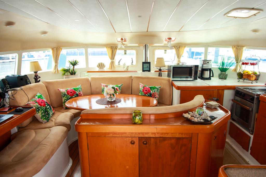 Lagoon 410 S2 Catamaran AT LAST salon