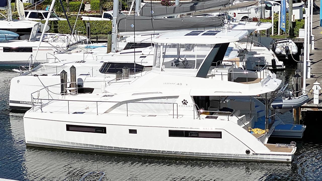 2019 Leopard 43 Power Catamaran Profile
