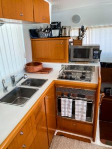 2007 Lagoon 420 Catamaran CREME BRULEE- galley
