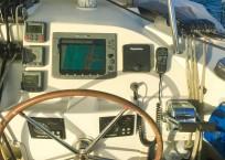 Lagoon 420 Catamaran CREME BRULEE - helm station