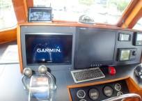 1981 Marine Trader Pilothouse 49 helm