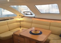 2000 Catana 431 Catamaran QUANDARY salon seating