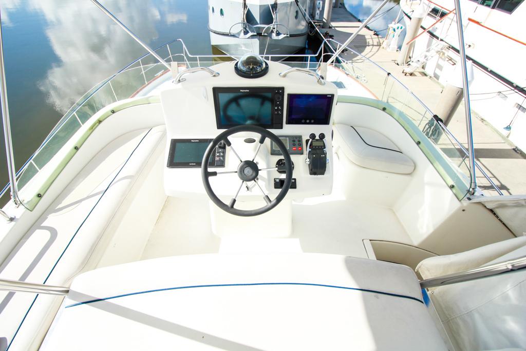 2003 Lagoon 43 Power Catamaran-BLUE MOON helm