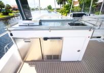 2020 Leopard 43 Power Catamaran LADY MARGARET bbq