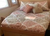 2008 Lagoon 420 Catamaran WAHOO cabin