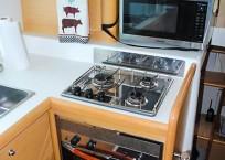 2008 Lagoon 420 Catamaran for sale WAHOO-galley stove