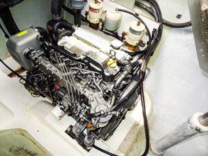 2013 Leopard 48 Catamaran KNOT ON CALL engine