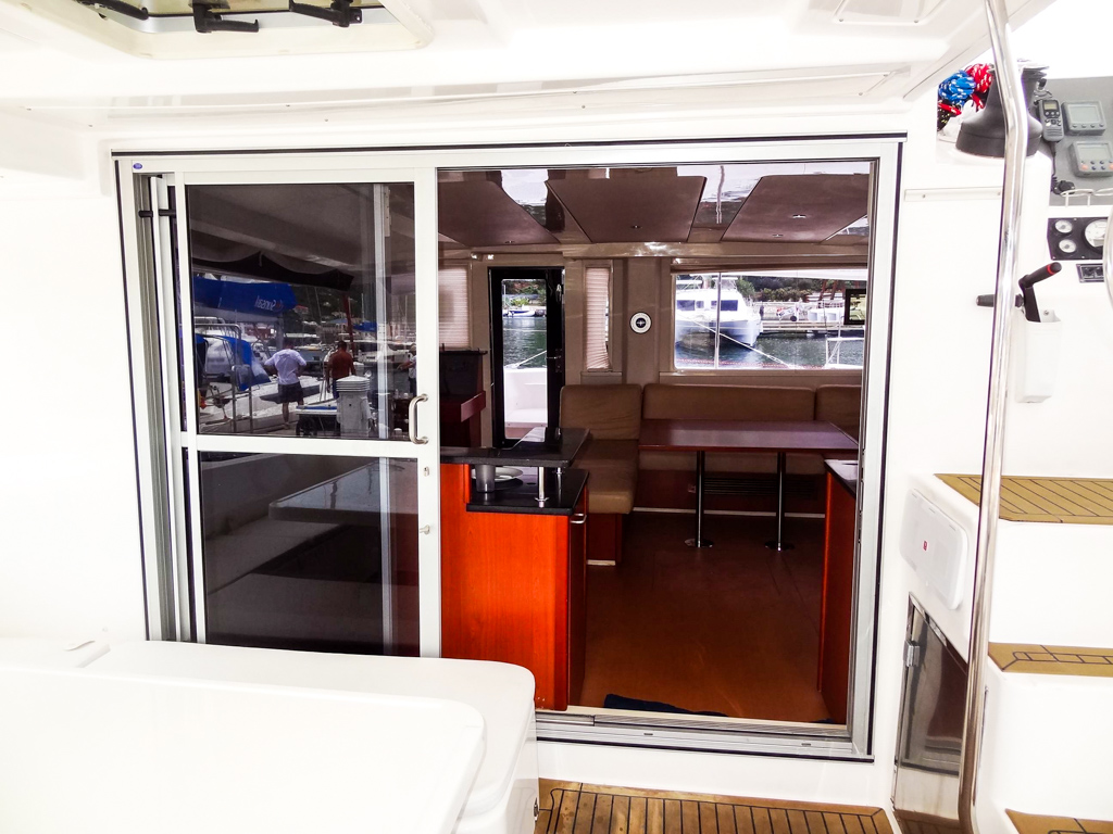 2013 Leopard 48 Catamaran KNOT ON CALL entry
