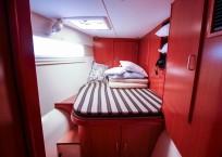 2011 Leopard 46 Catamaran DOUBLE DIAMOND guest cabin