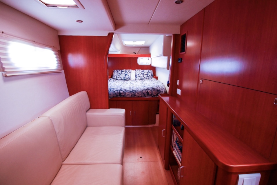 2011 Leopard 46 Catamaran DOUBLE DIAMOND main cabin