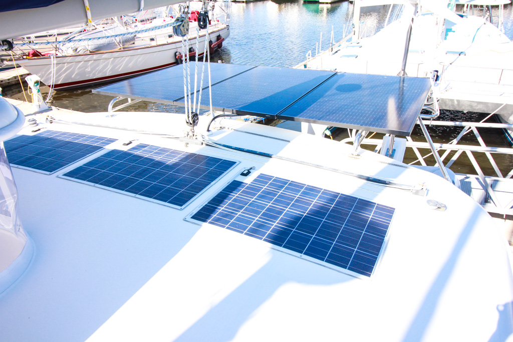 2011 Leopard 46 Catamaran DOUBLE DIAMOND solar panels
