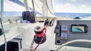 2013-Leopard-48-Catamaran-KOKOMON helm