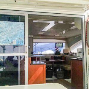 2013-Leopard-48-Catamaran-KOKOMON salon