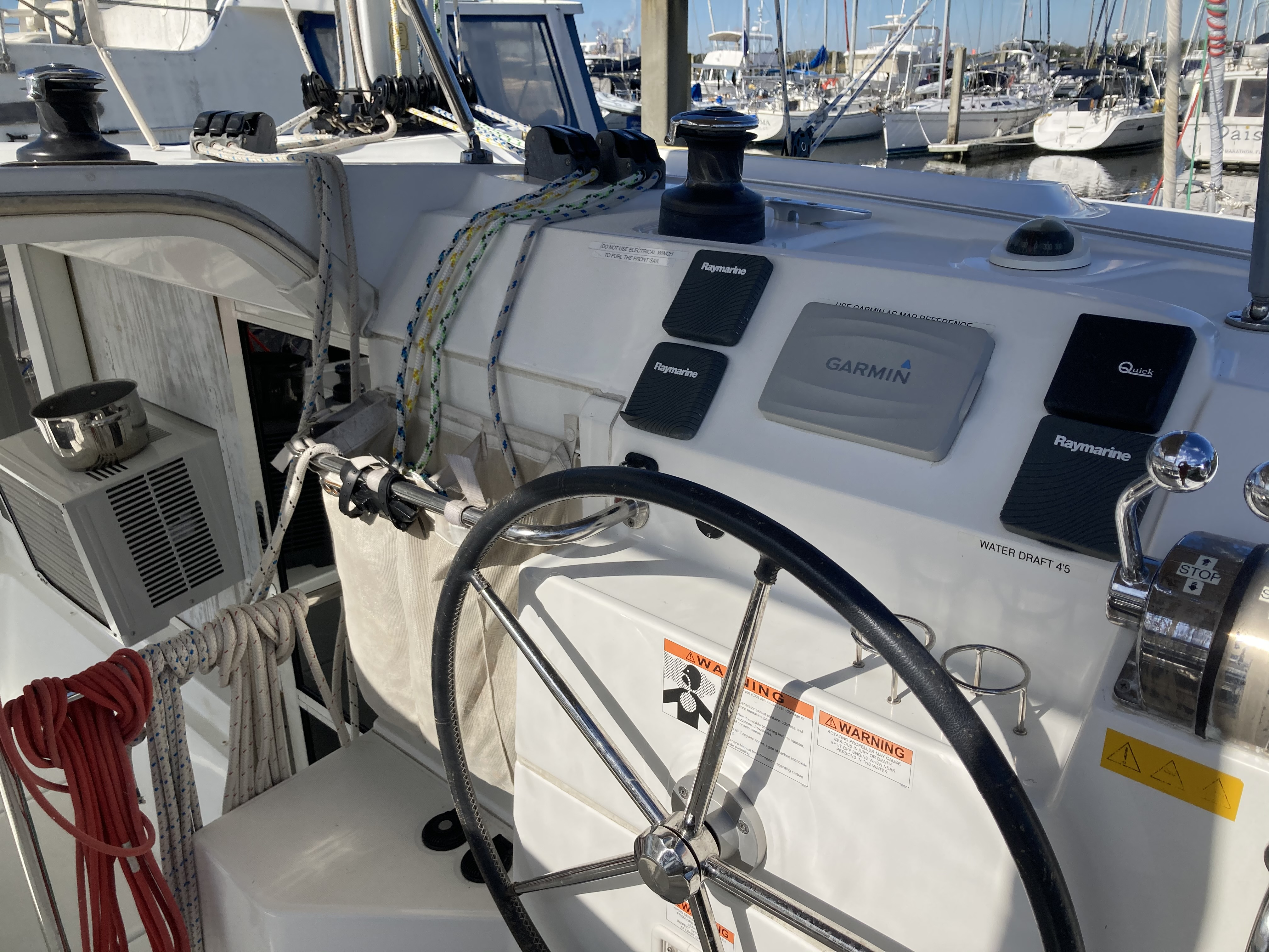 2014 lagoon 39 catamaran CARPE DIEM helm station
