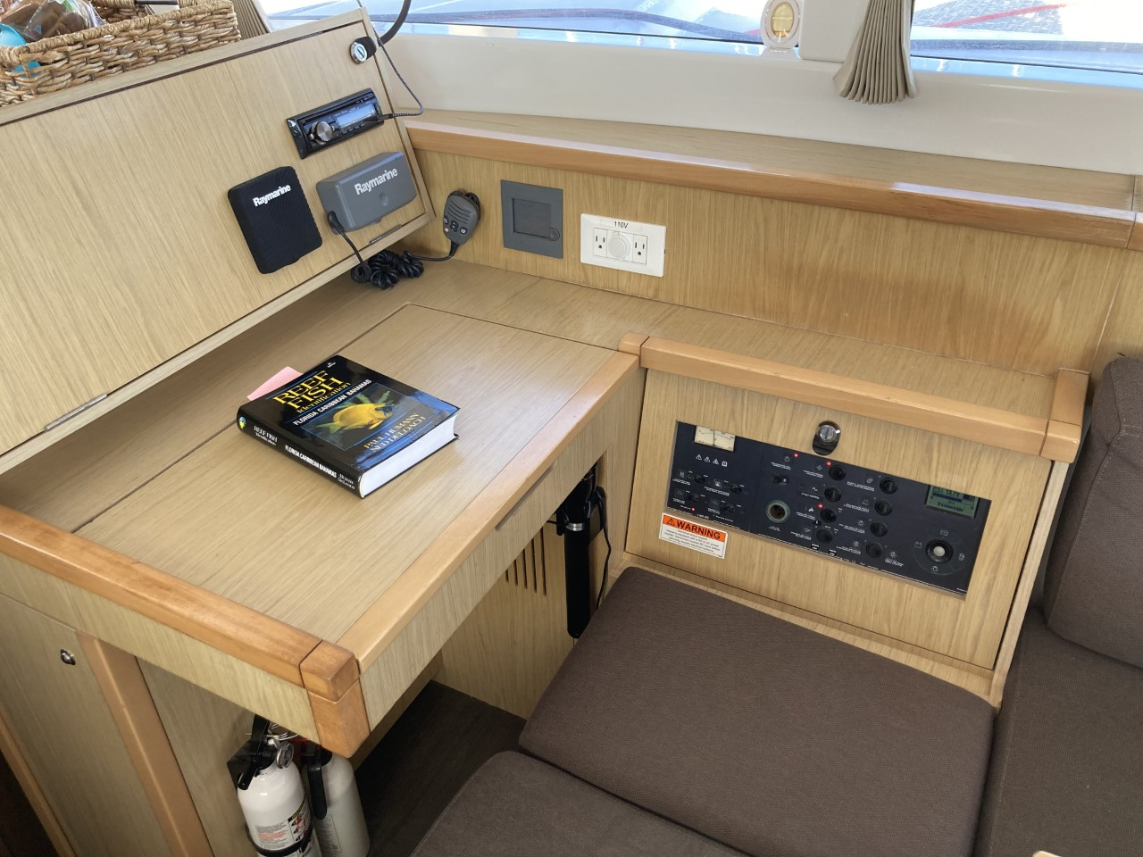 2014 lagoon 39 catamaran CARPE DIEM nav station