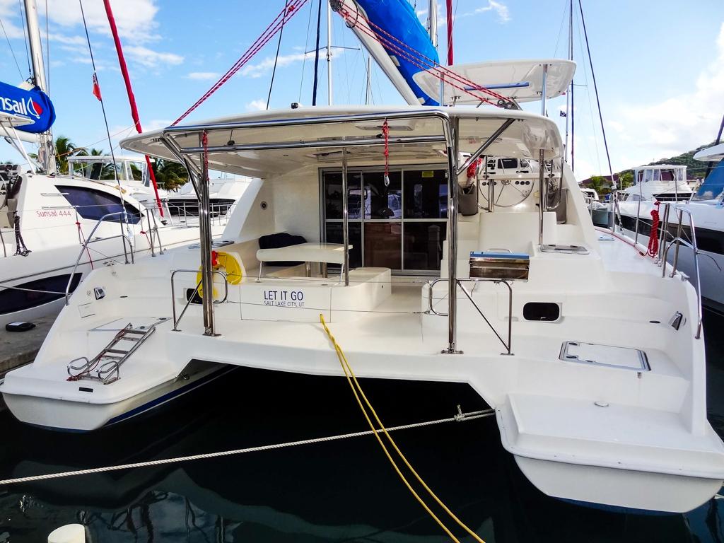 2015 Leopard 44 Catamaran LET IT GO - stern