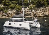 Nautitech 40 Open Catamaran - profile