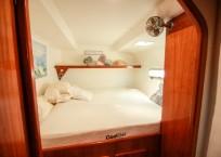 BIKINI - 1999 Privilege 465 Catamaran cabin